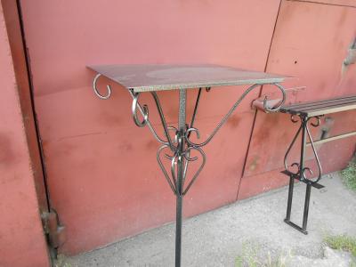 Столик (art-2)